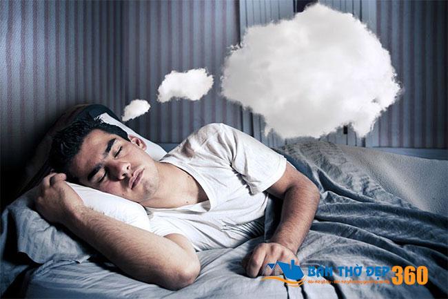 Ý nghĩa của việc nằm mơ thấy người đã chết còn sống không phải ai cũng biết